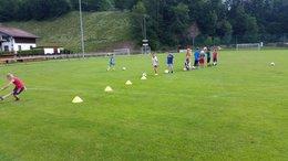 Fußball im Turnunterricht der VS-Pruggern!